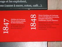Extrait de la frise chronologique située dans l'antre du «Mémorial de l'abolition de l'esclavage»